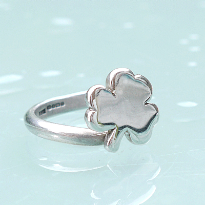 Sterling silver shamrock open ring